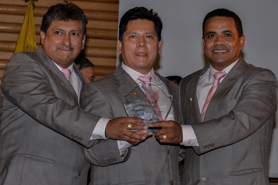 """""""Trío Señorial"""" compuesto por los ecuatorianos Walter Quispe, Giovanni Arévalo y Ramiro Arce."""